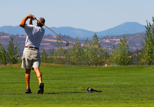この画像は、サイトの記事「ゴルフ ドライバー 初心者 動画集 YouTube無料視聴映像まとめ!」のイメージ写真画像として利用しています。